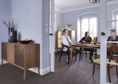 Dream-jadalnia-aranz-z-kredensem-i-stolem